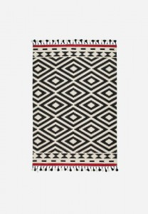 A well priced fun patterned rug from Superbalist - love the tassel fringe!